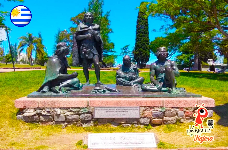 Monumento ultimos charruas - Fuente: https://inmobiliariapradomontevideo.com/descubre/los-ultimos-charruas/
